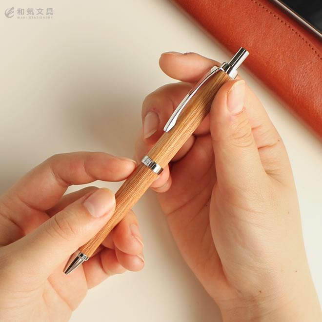 樺の木から生まれたボールペン