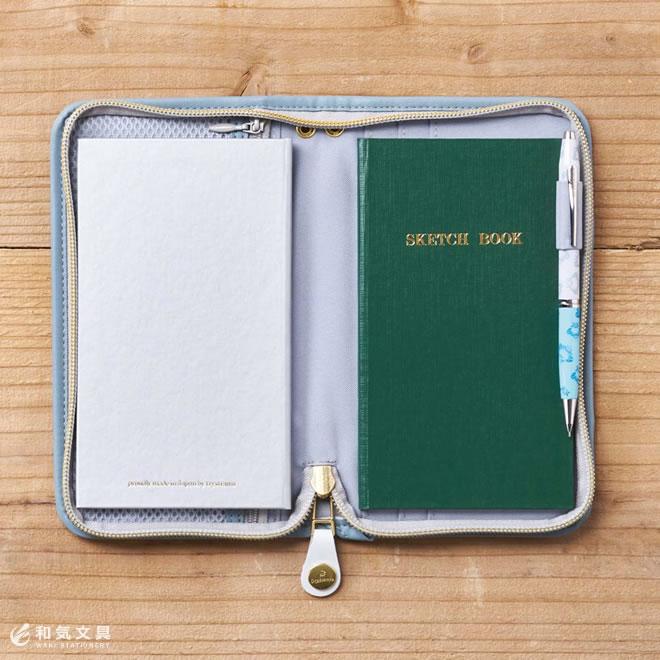 手帳とノート、2冊収納可能!